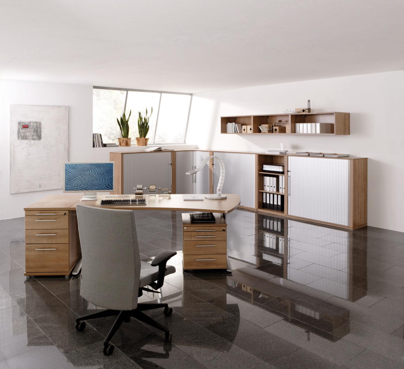 Büromöbel aus Ampfing: Komfortables Arbeiten und Verstauen